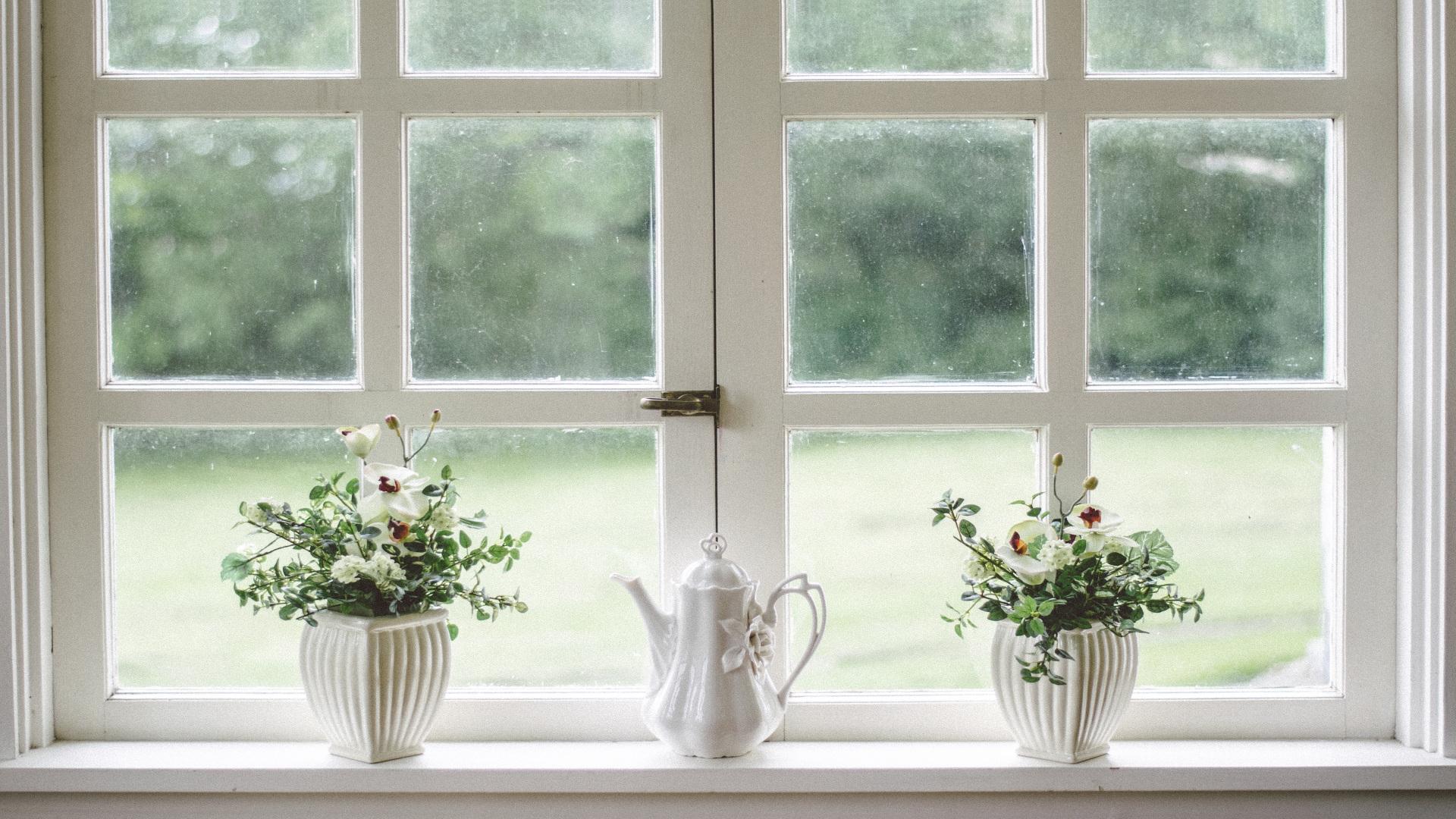 Cómo conseguir que las ventanas y las puertas esten bien limpias.1920